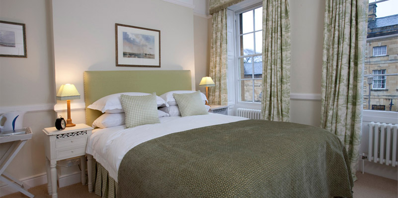 A gorgeous, large twin room at Seymour House